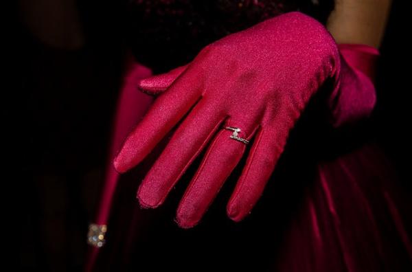 毒親が今も昔も使ってる「あの手」とは?