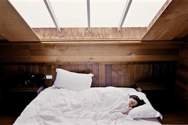 寝苦しい夜をぐっすり眠る方法